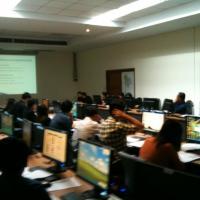 ภาพกิจกรรมการประชุมเพื่อพิจารณาข้อมูลด้านเทคโนโลยีสารสนเทศและการสื่อสารของ สป.ทส.
